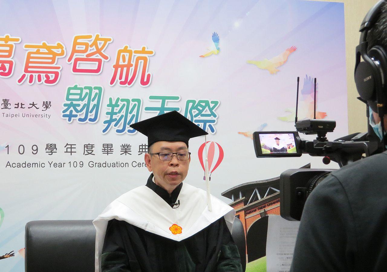Dean of College of Humanities Chan Chun Keung